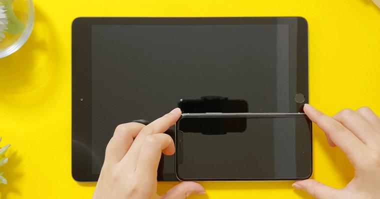 iPad第8世代とiPhoneXと比較する